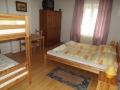 Dupla szoba 1 francia ággyal és 1 emeletes ággyal